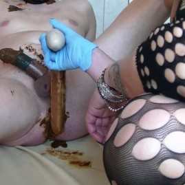 DOUBLE DILDO WITH GODESS SHIT IN SLAVE ASS