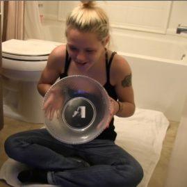 Pooping on webcam1