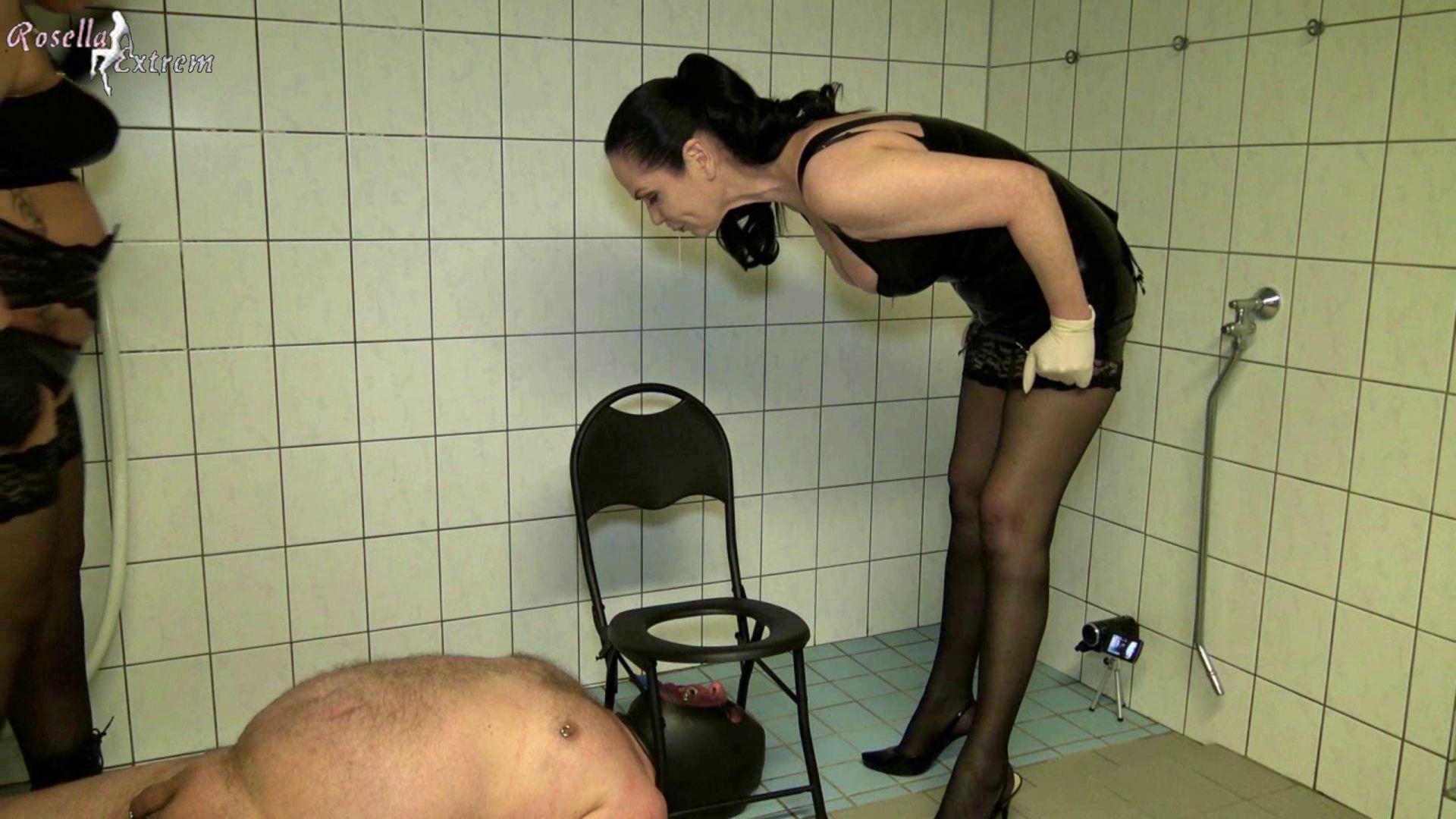 Туалет раб госпожи, Фемдом туалетный раб - видео 20 фотография